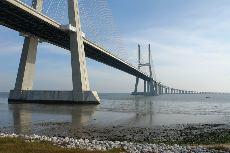 http://bestbridge.net/data/upimages/vasco_da_gama_bridge3.jpg