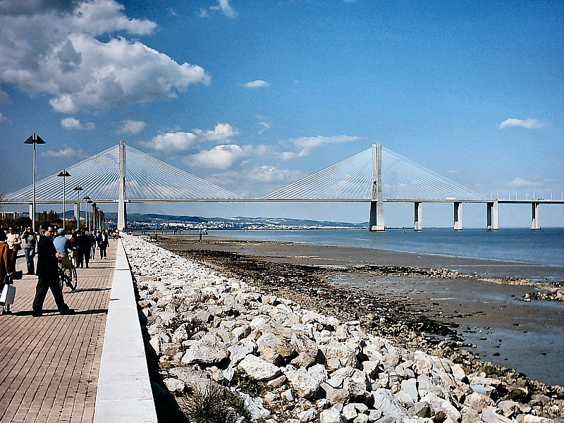 http://bestbridge.net/data/upimages/vasco_da_gama_bridge4.jpg
